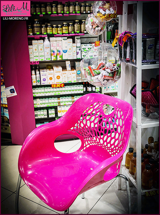 Une chaise... rose